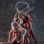 гимнастическое шоу, номер с лентами и обручами